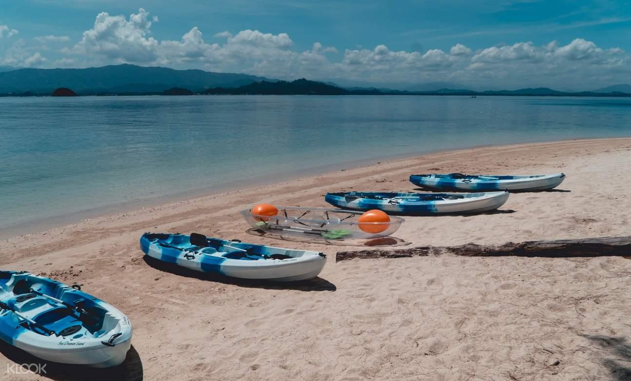 kayaks at dinawan island
